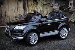 AUDI Q7 12V elektromos kisauto oldal-elöl.jpg