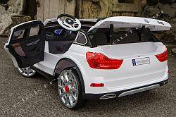 BMW X7 hasonmás 12V elektromos kisauto oldal-hatul.jpg