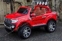 Ford Ranger piros elektromos kisauto oldal-elol.jpg