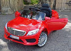 Mercedes C osztály hasonmás oldal-elől.jpg