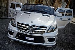elektromos kisauto Mercedes ML elol.jpg