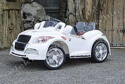 elektromos kisuto Audi 12V fehér oldal-elől.jpg